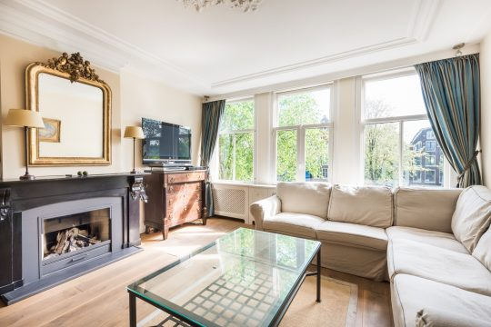 Brouwersgracht| Furnished| 2 bedrooms| Roof terrace| view at the canal € 2850,–