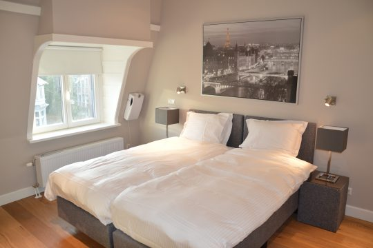 Van Baerlestraat| 2 bedrooms| Furnished| Balcony