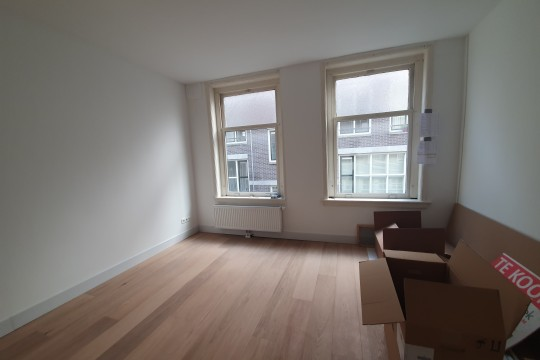 Anjeliersstraat| Unfurnished|Balcony|1 bedroom|1st floor